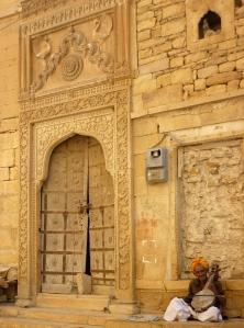 Music player in Jaisalmer
